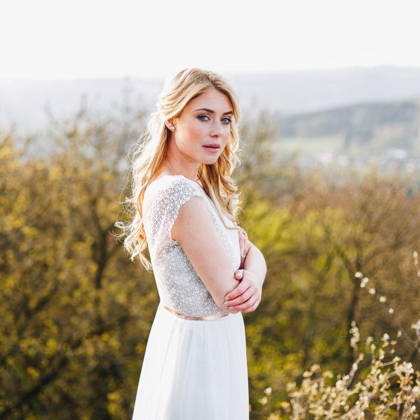 Marilou – Brautkleid kurz, mit Spitze