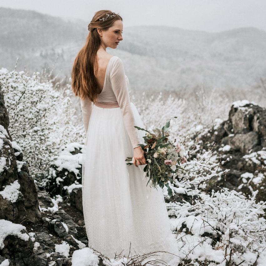Christy – Brautkleid in Rosé und Ivory mit modernem Überrock