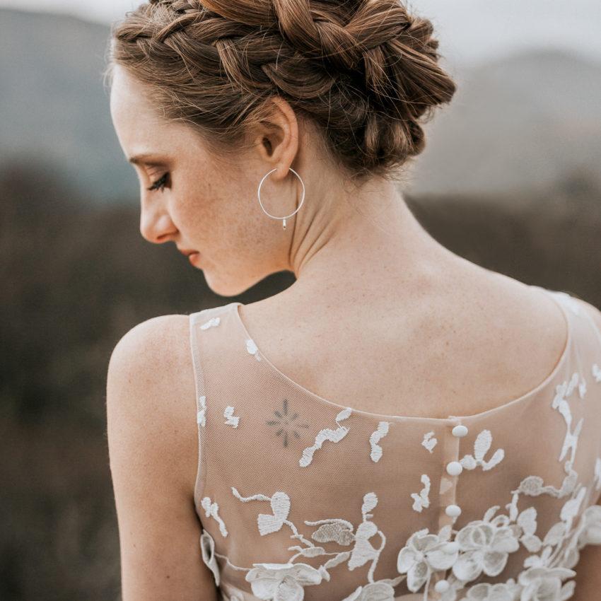 Luna – Hochzeitskleid mit 3D-Spitze und Überrock mit Schleppe