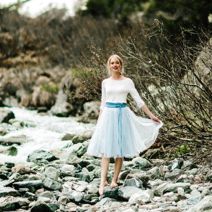 Zoe – Standesamt Outfit mit Braut Pullover und kurzem Tüllrock