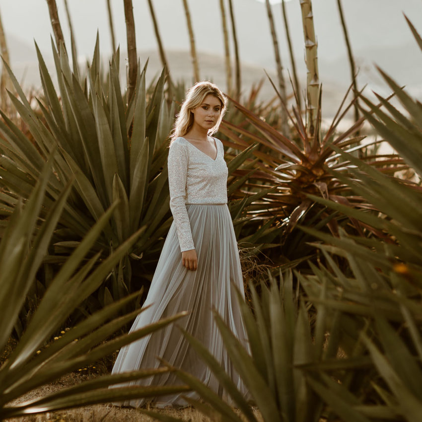 Lizy 3 – Zweiteiliges Brautkleid mit Glitzer-Top und grauem Tüllrock
