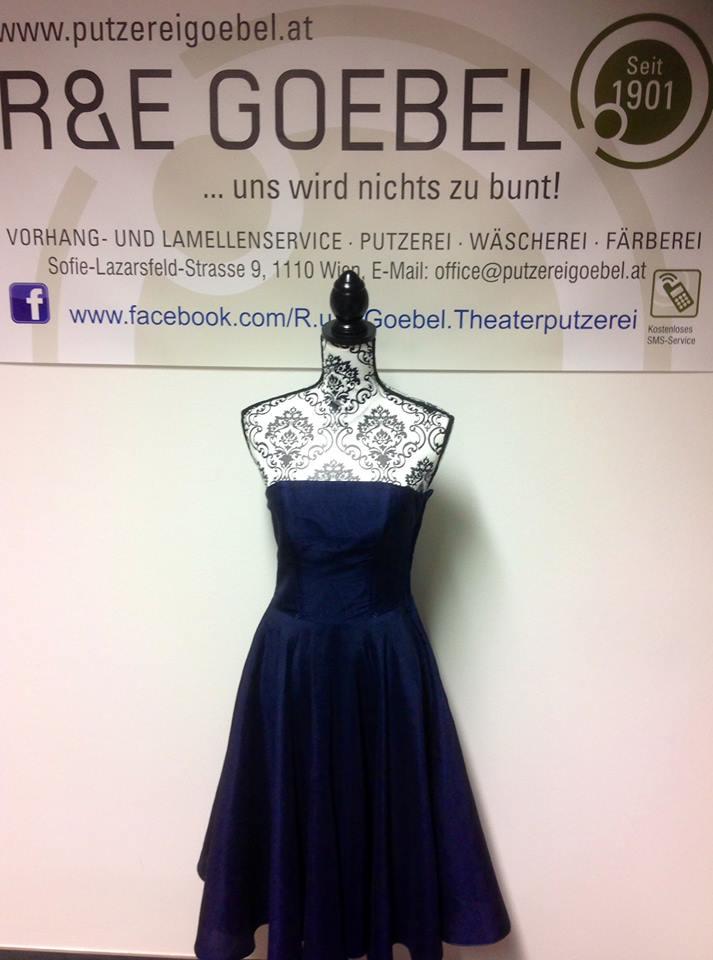 um das Brautkleid auch nach der Hochzeit weiter tragen zu können, kann es in einer Wunschfarbe eingefärbt werden
