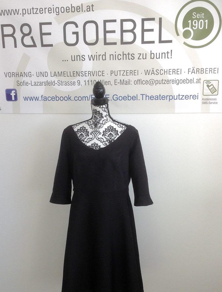 Brautkleid mit Ärmeln schwarz ein eingefärbt von der Färberei Goebel in Wien