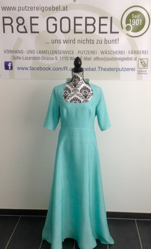 noni- Brautkleid nach der Hochzeit in zartem Mint eingefärbt von der R&E Goebel Färberei in Wien