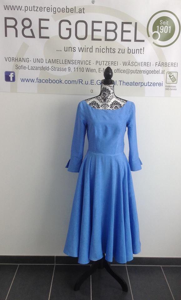 tea-length Brautkleid mit Ärmeln, nach der Hochzeit in Hellblau eingefärbt