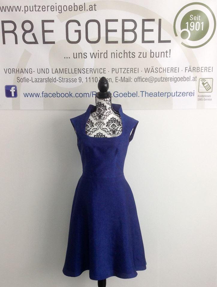 noni- kurzes sommerliches Brautkleid, nachhaltig angefertigt und nach der Hochzeit in Dunkelblau eingefärbt