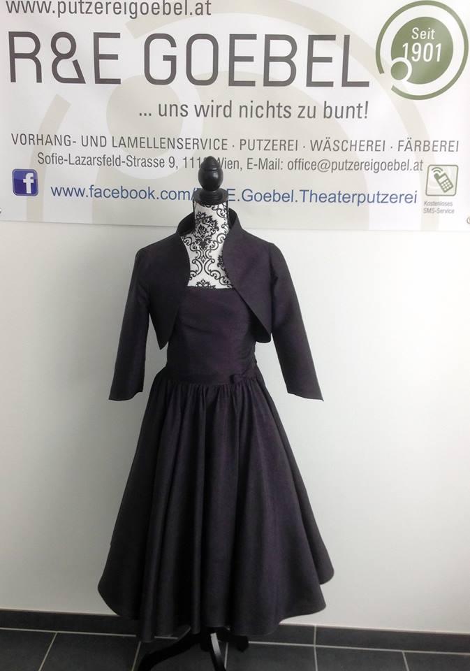 noni_vom Brautkleid zum kleinen Schwarzen, Brautkleid nach der Hochzeit eingefärbt