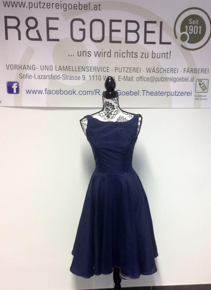 noni - 50er Jahre Brautkleid nach der Hochzeit farbig eingefärbt