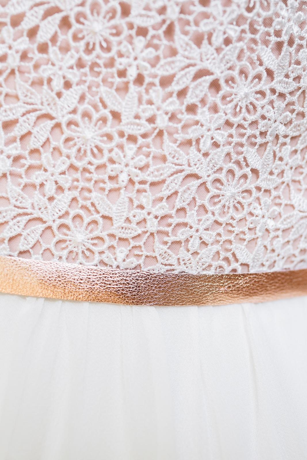 Brautkleid mit Spitze und Illusion Top
