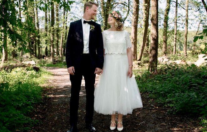 Boho Braut mit zweiteiligem Brautkleid mit Spitze