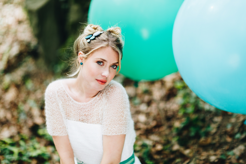 noni Brautkleider 2018 - jetzt entdecken! | Braut Pullover Ivory (Foto: Le Hai Linh)