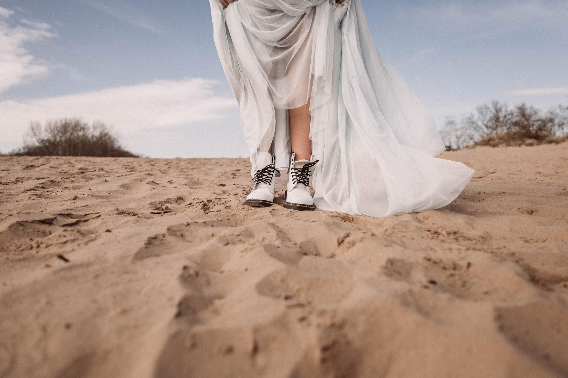 Braut Rock aus Tüll in Blau zur Hochzeit, kombiniert mit Braut Pullover