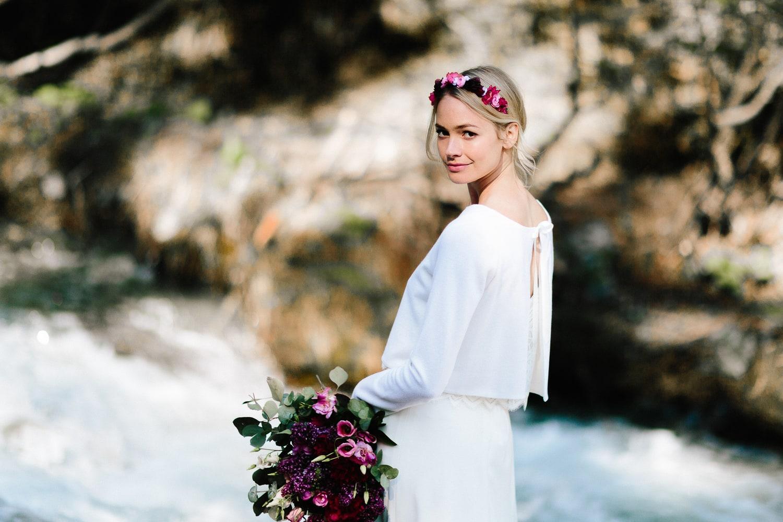 noni Brautkleider 2019 | Brautjacke Ivory, schlicht und modern (Foto: Le Hai Linh)