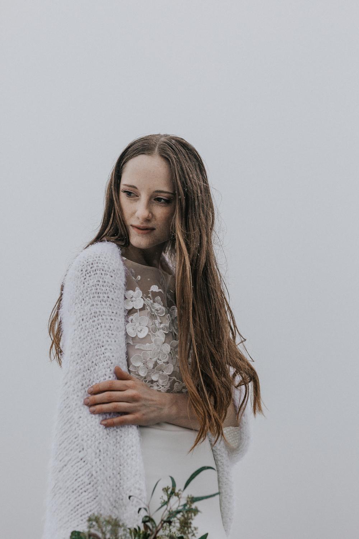 Brautmodel mit langem Haar