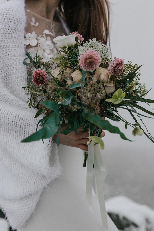 Brautjacke für die Hochzeit im Herbst und Winter  (Foto: Jennifer Nilsson)
