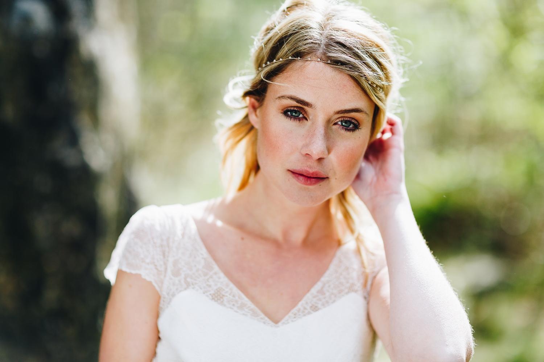 Brautkleid kurz, mit Ärmel und Spitze