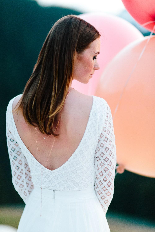 noni Brautkleider 2019 | Brautkleid rückenfrei mit langem Ärmel (Foto: Jennifer Nilsson, Le Hai Linh)