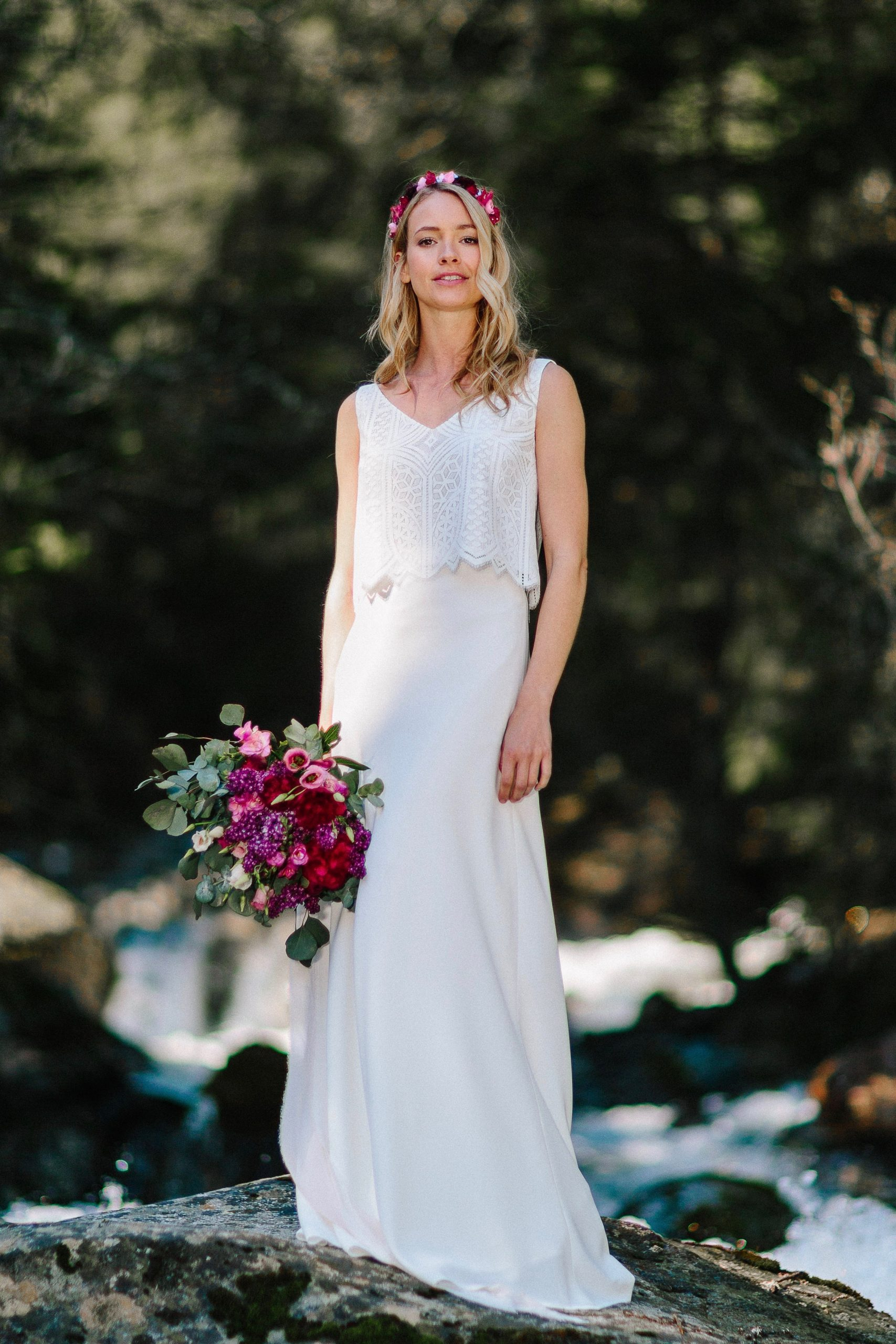 Brautkleid schlicht, mit Spitze und Trägertop