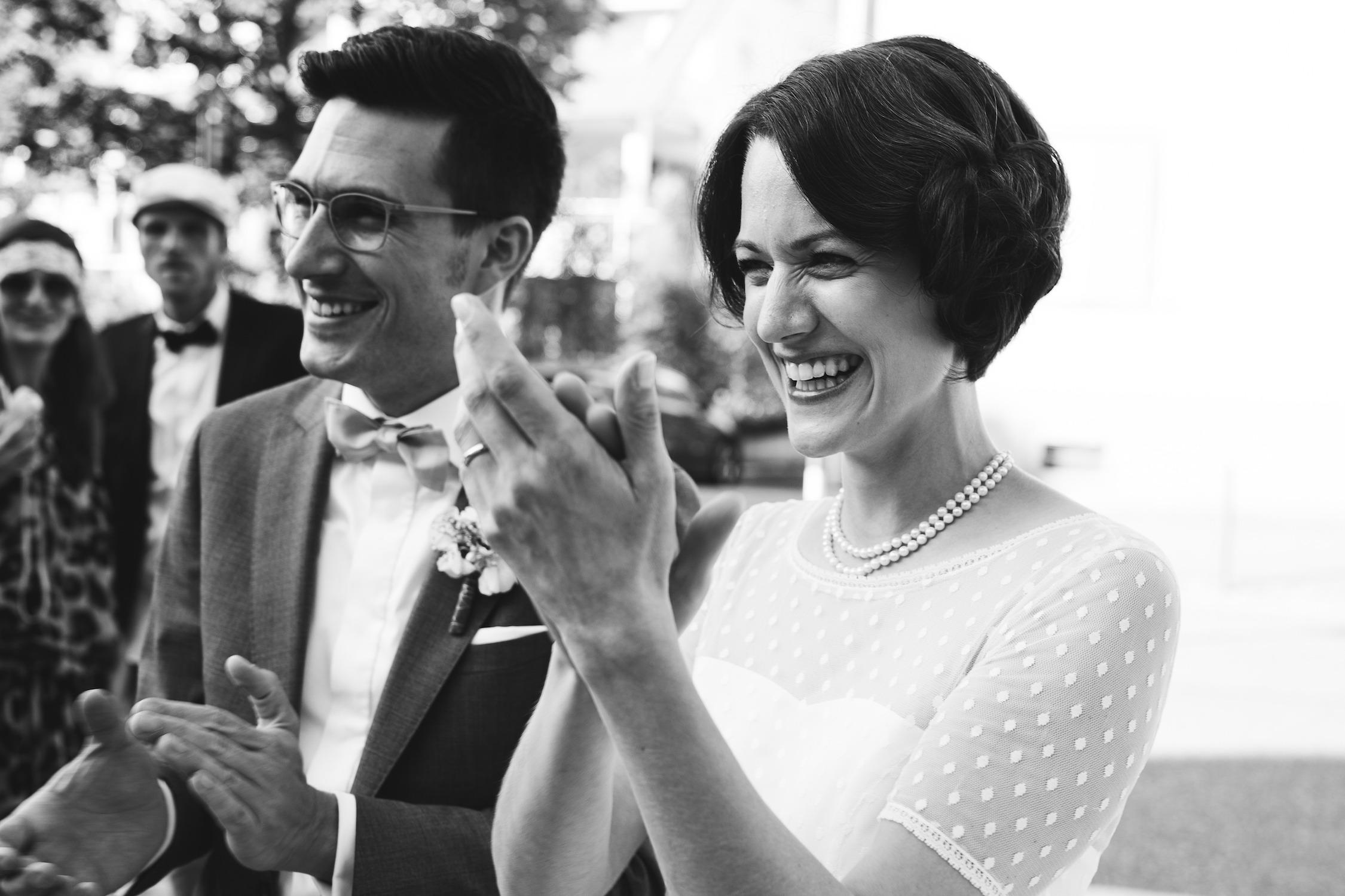 Brautkleid 20er Jahre mit Ärmel (Foto: Le Hai Linh)