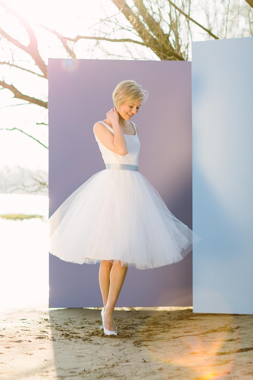 Brautkleider kurz, mit Tüll und Spitze