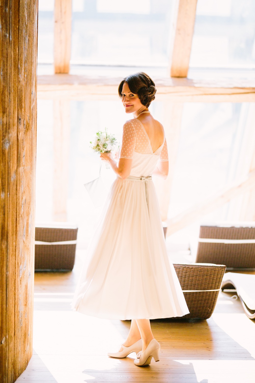 vintage Brautkleid mit Armen und Spitze