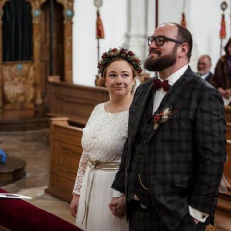 Brautkleid Zweiteiler in Ivory aus Tüllrock und langärmligen Top aus Botanikspitze