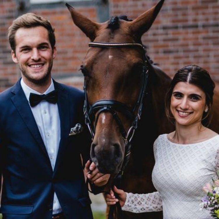 Brautkleid Zweiteiler mit langärmligem Body aus geometrischer Spitze und Tüllrock in Pastellviolet
