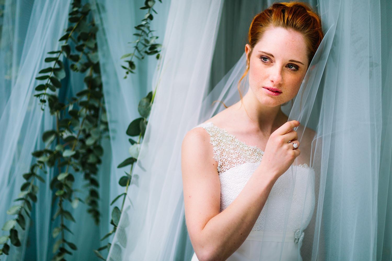 Brautkleider mit asymmetrischem Träger
