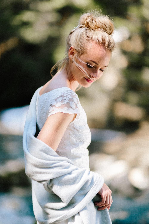 Brautkleider für die Hochzeit im Herbst oder Winter (Foto: Le Hai Linh)