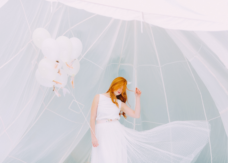 Brautkleider mit Tüll und Punkten