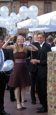Brautkleid, nach der Hochzeit eingefärbt und als elegantes Kleid weiter tragbar.