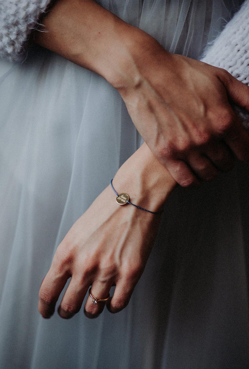 Moderner Braut Pullover rueckenfrei