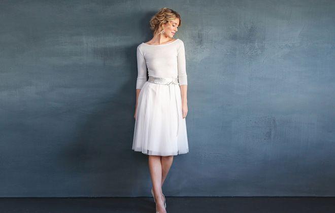noni, kurzes Brautkleid, zweiteilig, mit Tüllrock und Brautpullover
