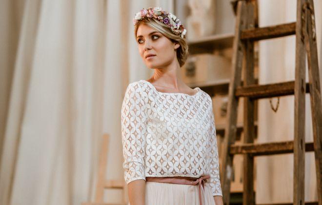 Brautkleid in Maxi-Länge mit Tüllrock in Puderrosa und Spitzentop