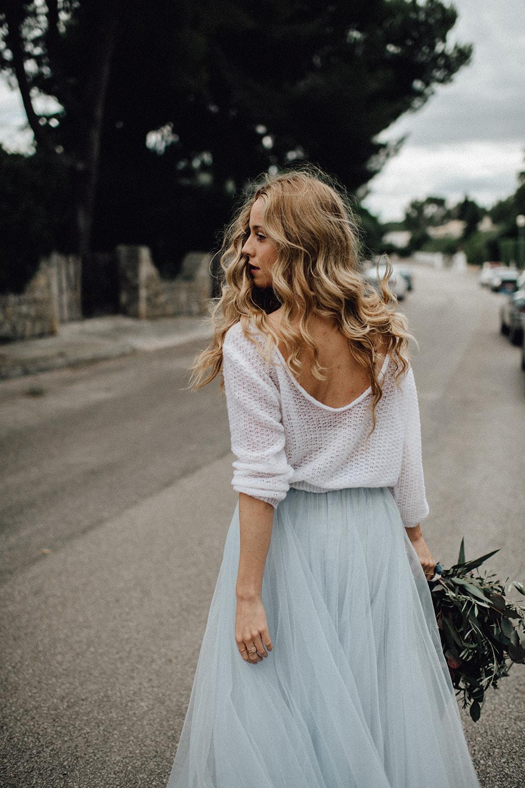 Sommer Shooting auf Mallorca mit Brautpulli und blauem ...