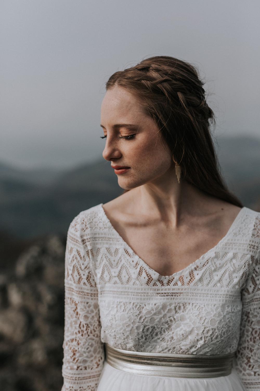 noni Brautkleider 2019   Hochzeits-Zweiteiler für Schwangere mit Umstandsrock mit elastischem Bund und bequemem Top aus Boho-Spitze (Foto: Jennifer Nilsson, Le Hai Linh)