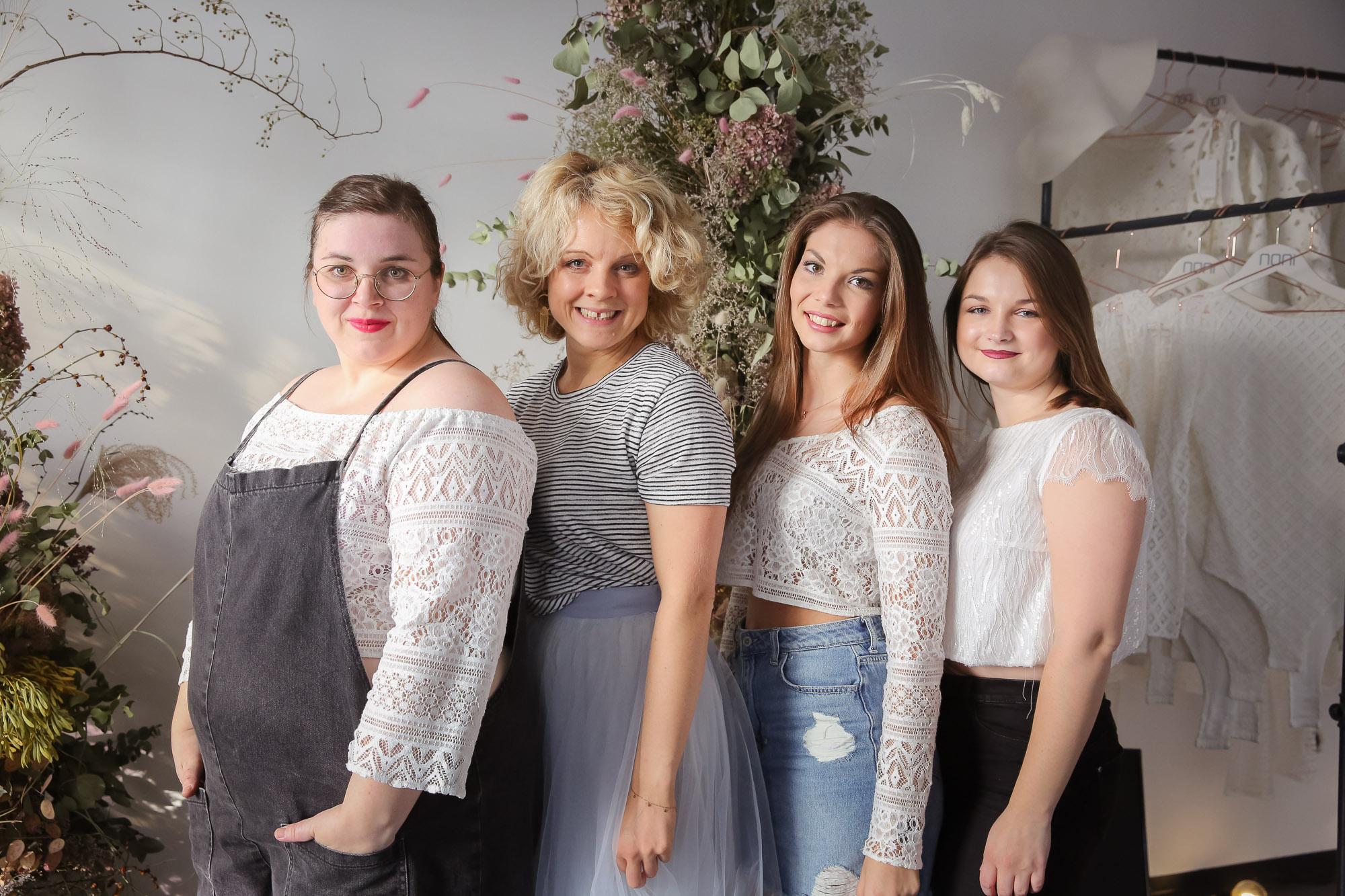 noni Brautkleider, Gruppenbild mit Brauttops und Brautröcken in Kombination mit Alltagskleidung als Style Inspiration