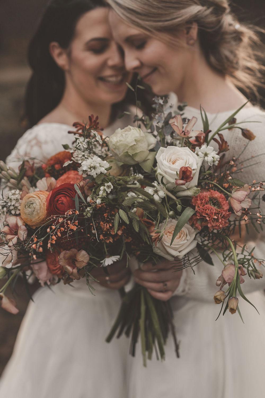 Inspiration für lesbische Hochzeit im Herbst | noni
