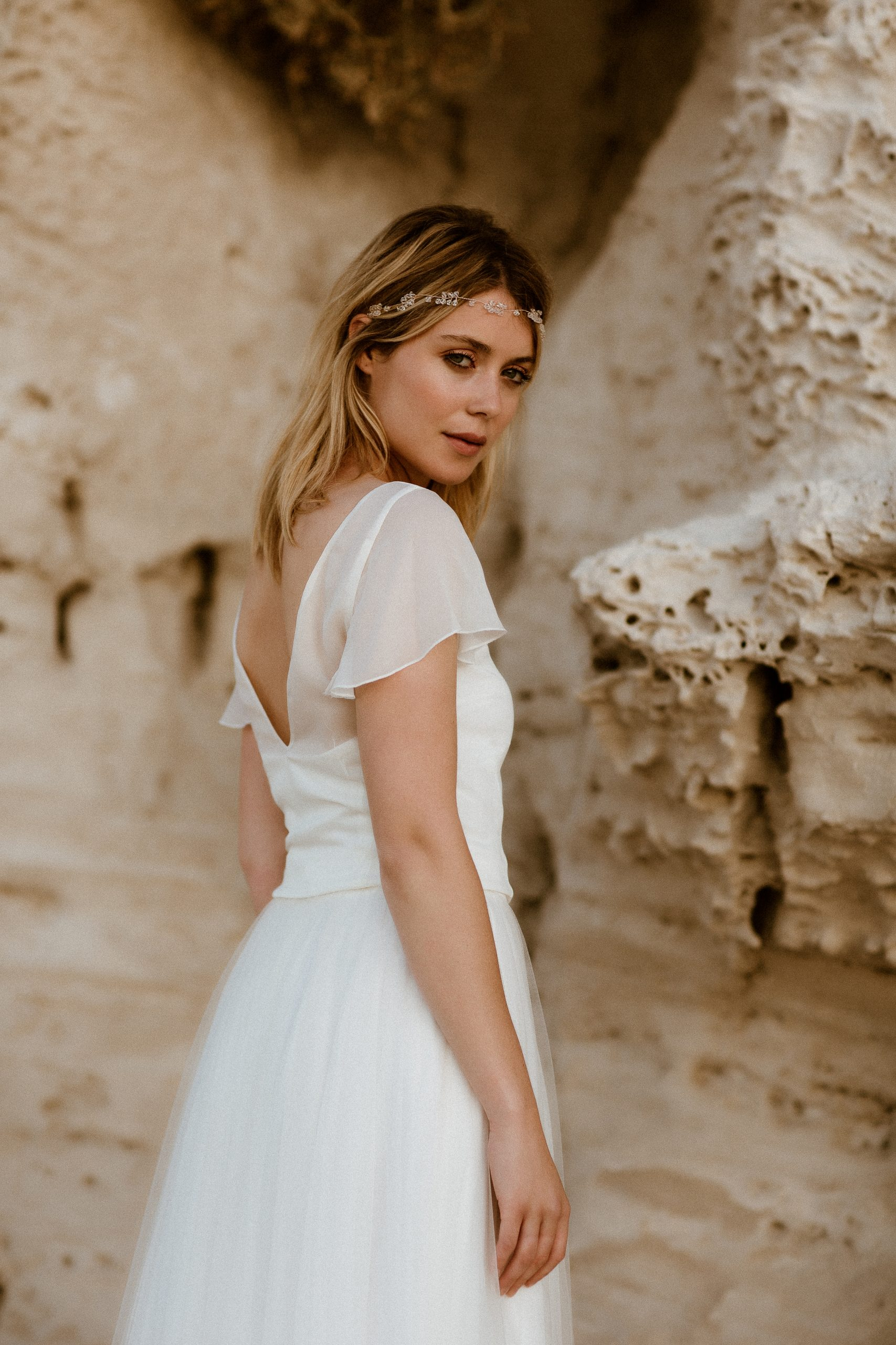 noni Brautkleid aus Chiffontop und Blüten-Überrock mit Schleppe