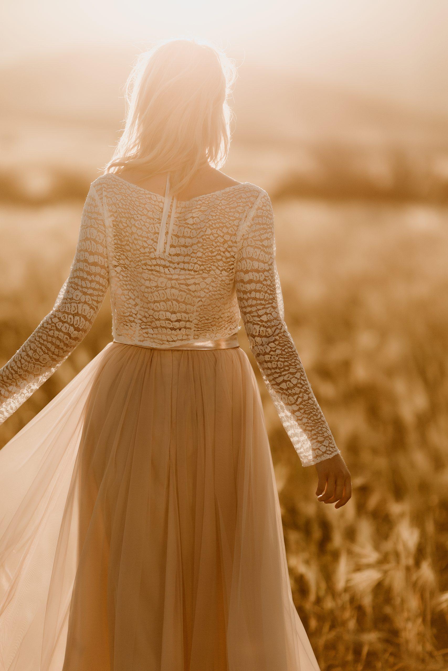 noni Brautkleider, Midi-Hochzeitskleid mit Spitzen Crop Top und Rock