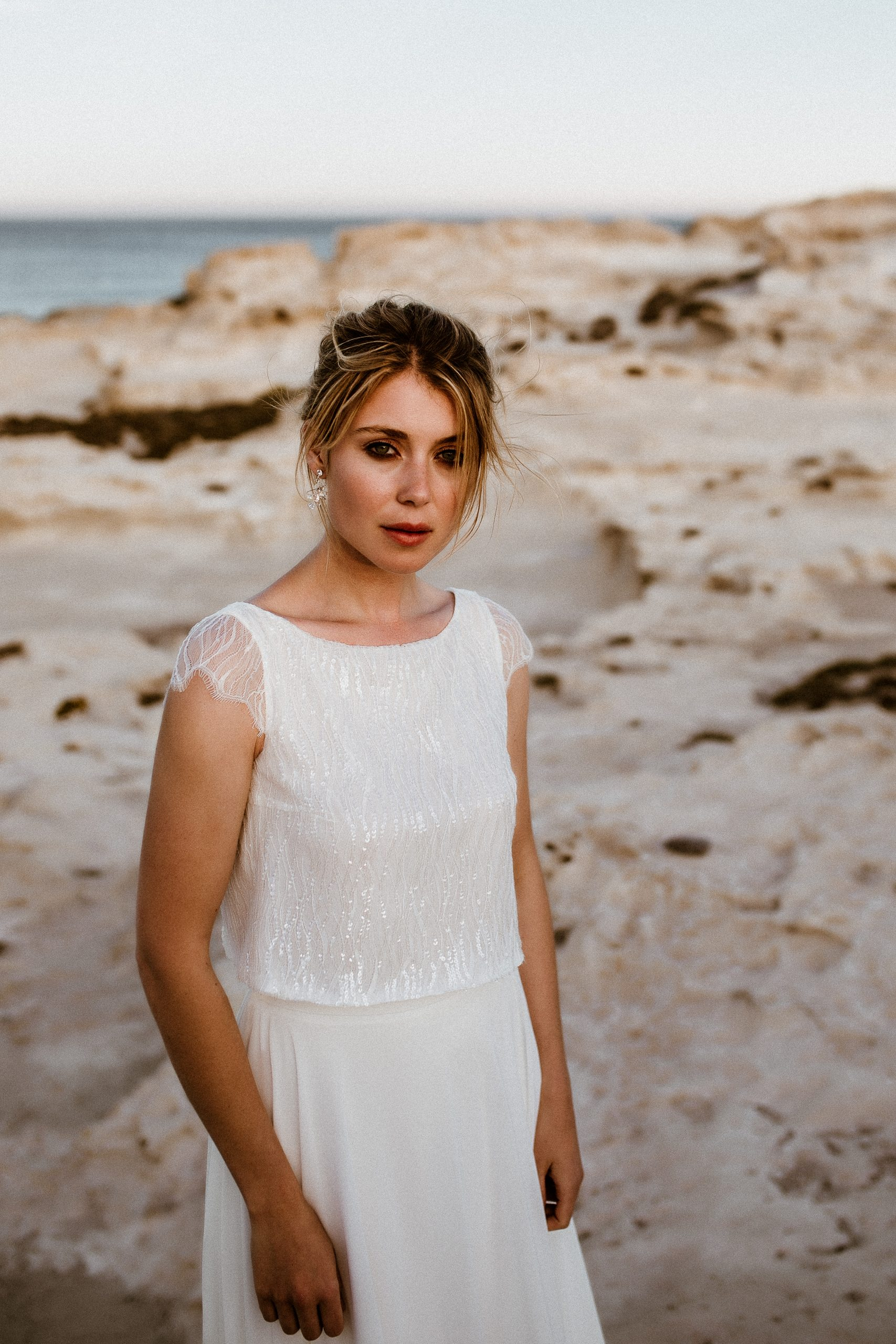 noni kurzärmeliges Hochzeitskleid mit Pailletten und Chiffonrock