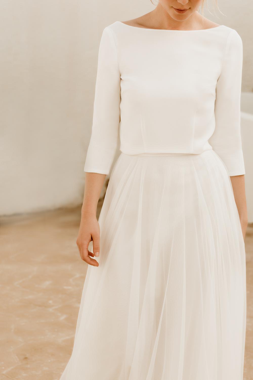 noni Brautkleider, Hochzeitskleid mit Glitzer-Rock und schlichtem Top