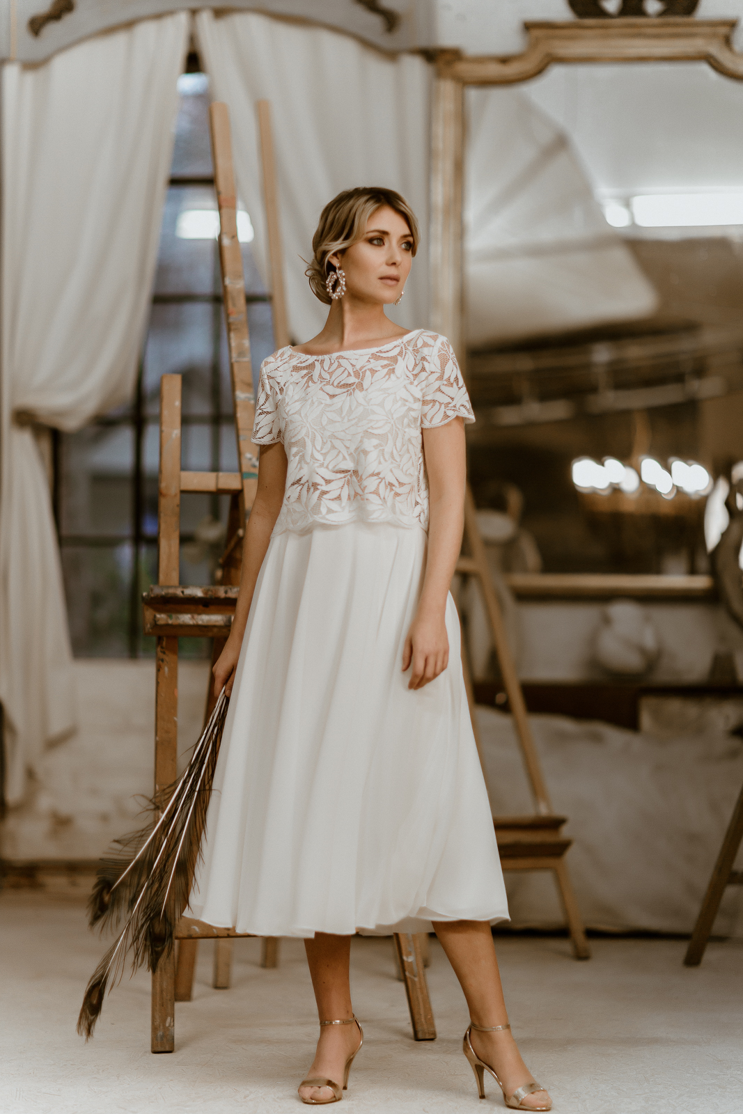 Midi-Brautkleid mit Botanik-Top und Chiffonrock, Vorderansicht