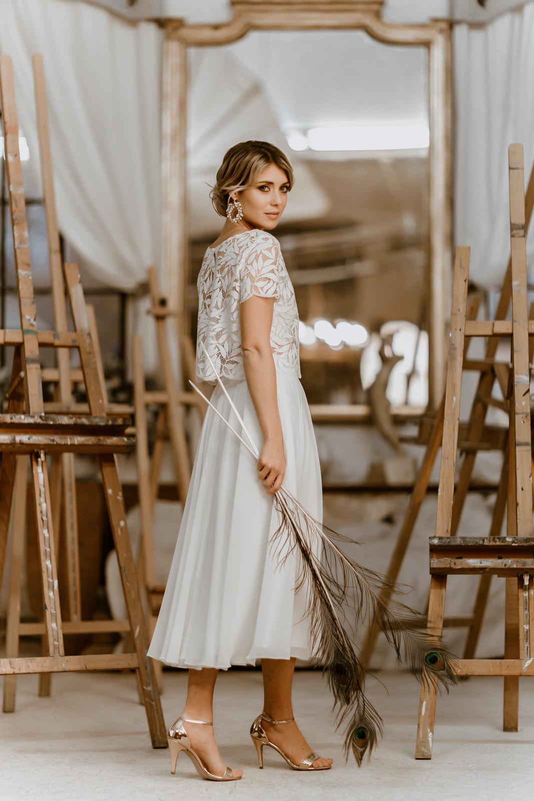 Brautkleid Emmi - Zweiteiliges Midi-Brautkleid mit Spitzentop und