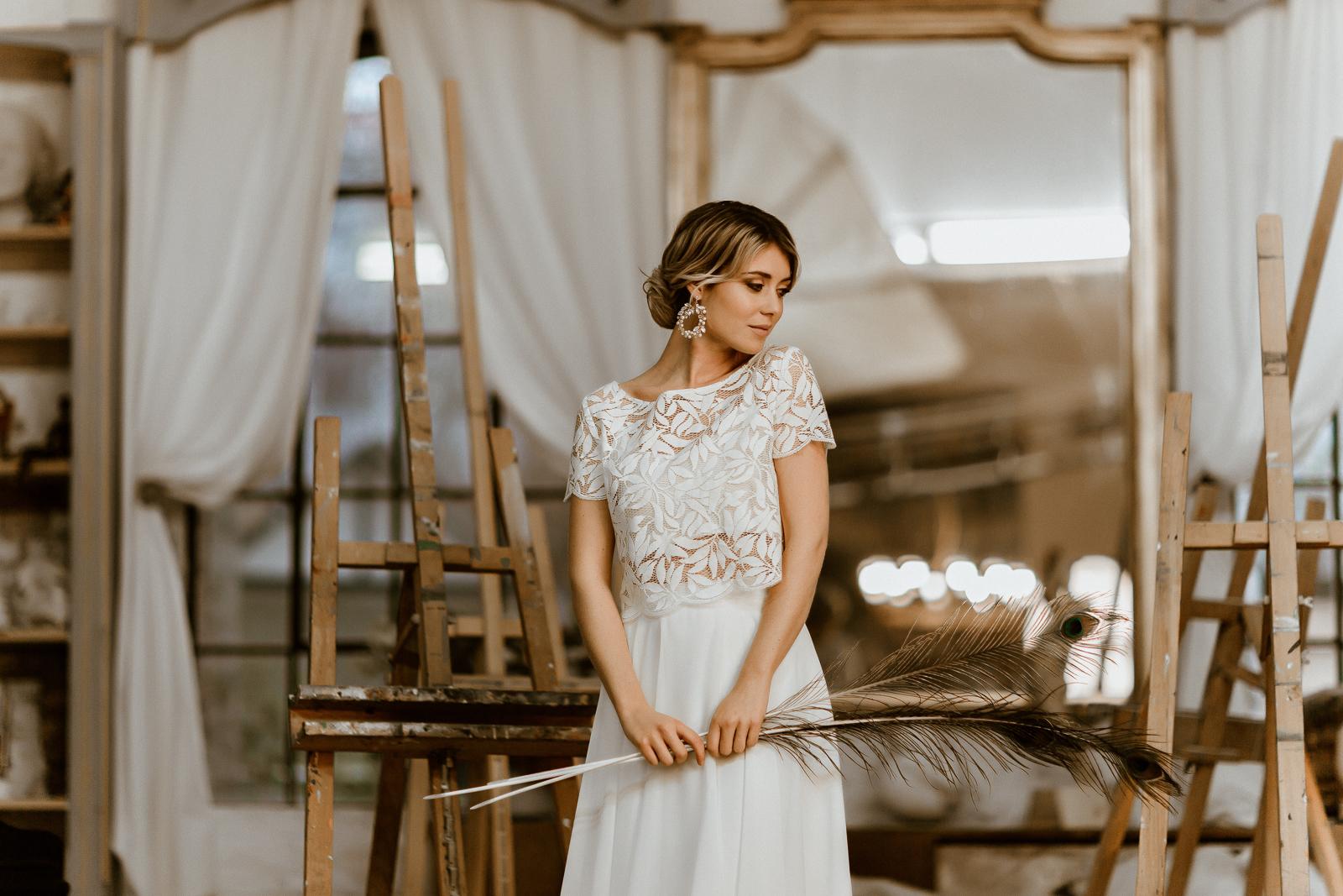 Zweiteiliges Midi-Brautkleid mit Botanik-Top und Chiffonrock, Vorderansicht