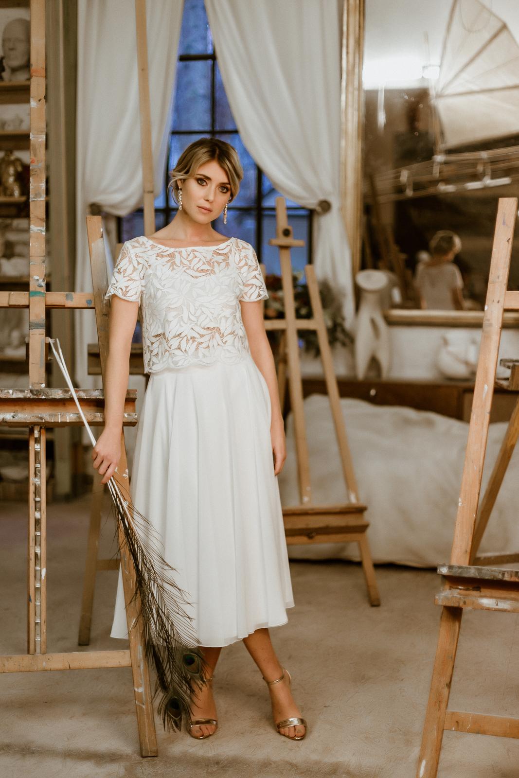 Zweiteiliges Brautkleid mit Botanik-Top und Midi-Chiffonrock, Vorderansicht