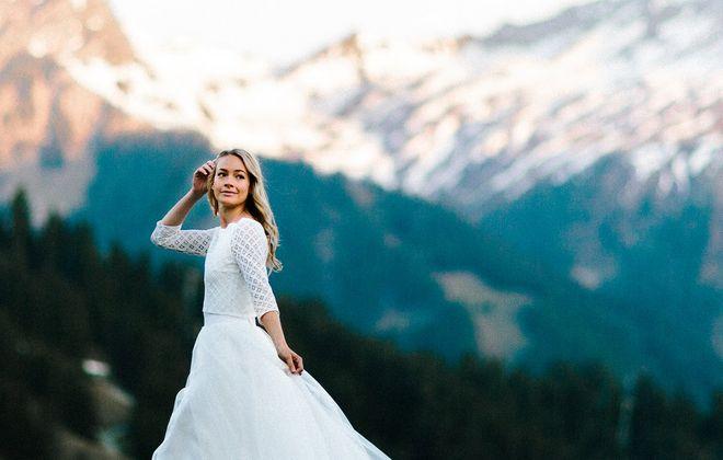 Schlichtes Brautkleid mit Spitzentop und Tüllrock (Foto: Jennifer Nilsson, Le Hai Linh)