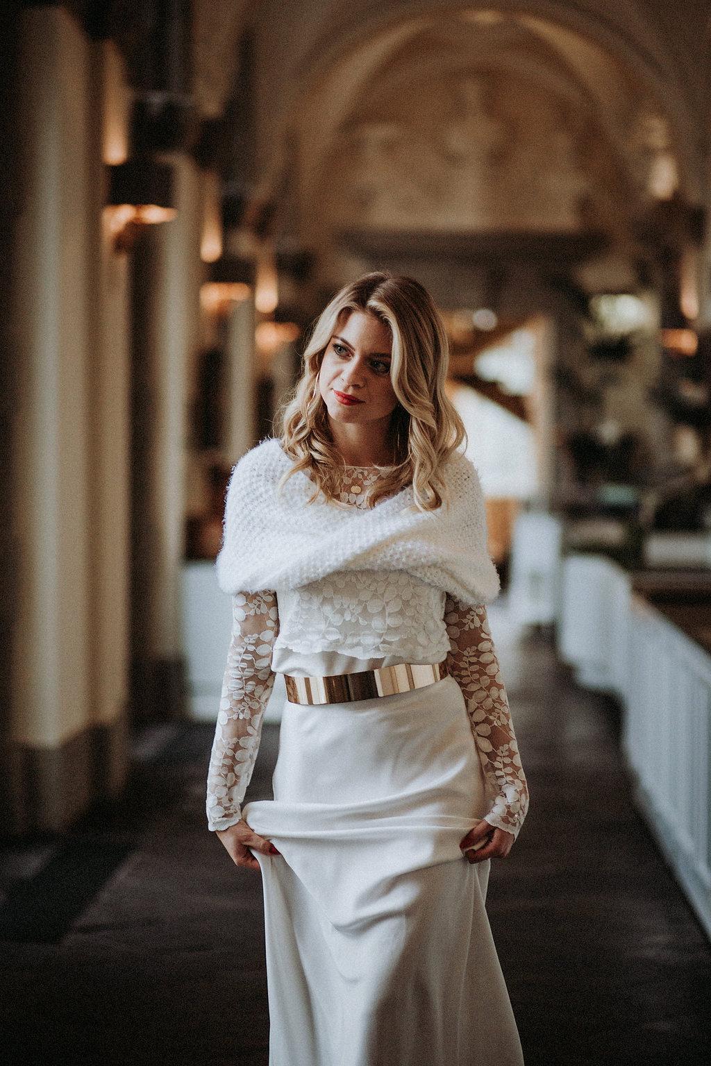 Schlichtes Brautkleid mit Spitzentop und Braut Rock