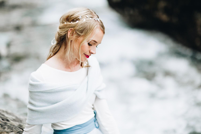 noni Brautkleider 2019 | Standesamt Outfit, modernes Brautkleid mit Pullover und Tüllrock (Foto: Jennifer Nilsson, Le Hai Linh)