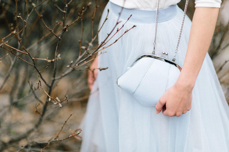 noni Brautkleider 2019 | Standesamt Outfit, modernes Brautkleid mit Pullover und Tüllrock (Foto: Le Hai Linh)